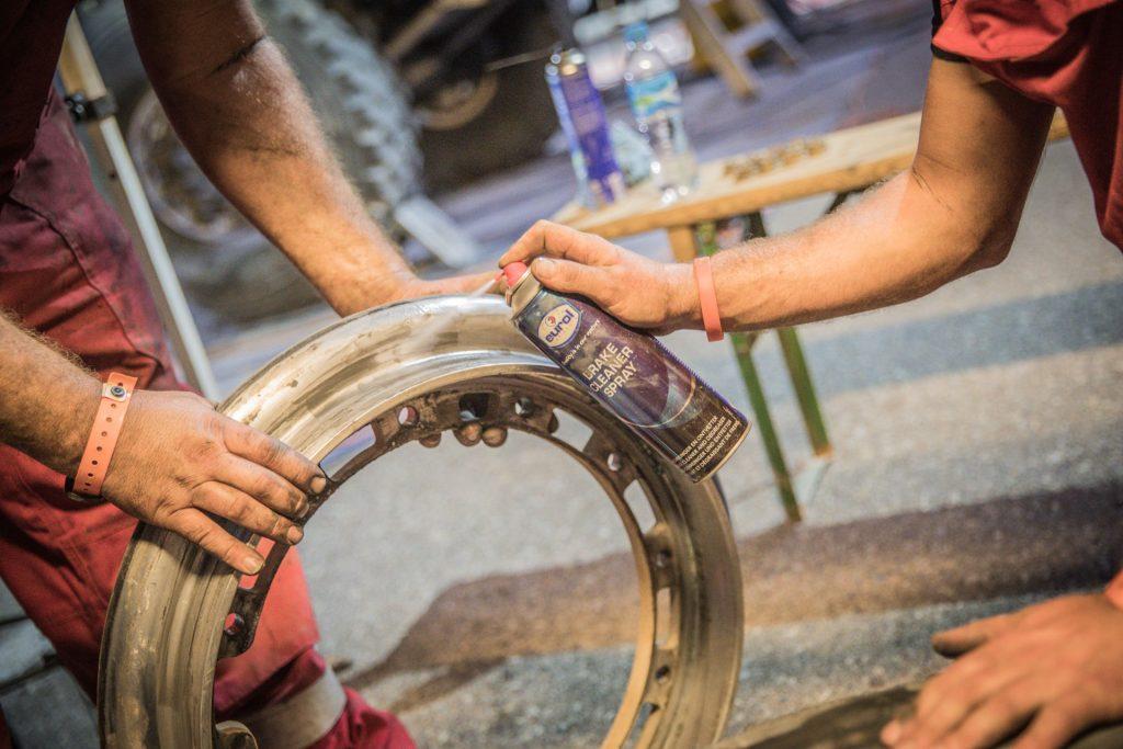 Eurol in Dakar: Van Loon in top tien in voorlaatste etappe