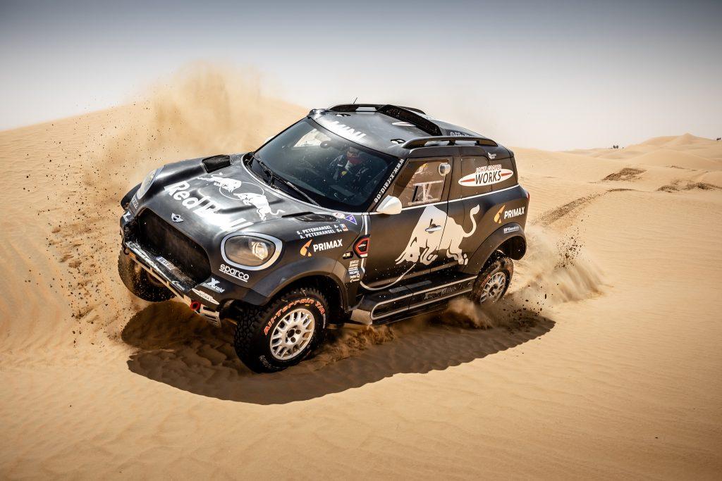 Echtpaar Peterhansel zegeviert bij auto's in Abu Dhabi Desert Challenge