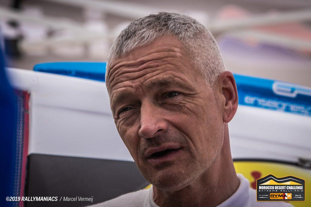 Erik van Loon behoudt leiding in Morocco Desert Challenge ondanks verkeerde afslag