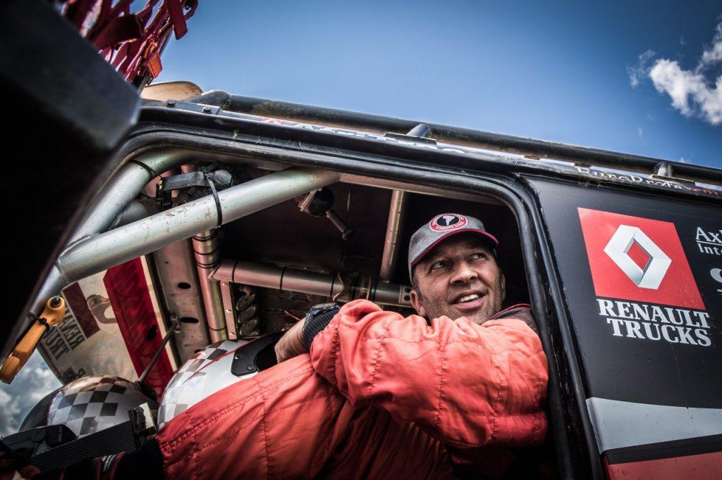 Martin van den Brink moet strijd in Oilibya Rally staken