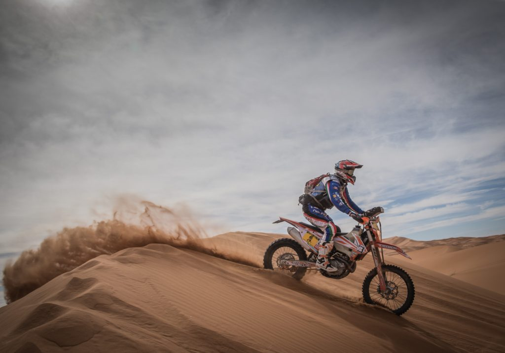 Zwarte dag tijdens vijfde etappe Tuareg Rally
