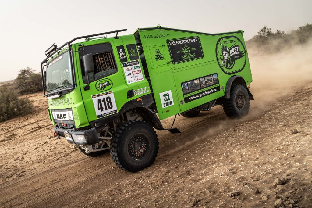 Dust Warriors met lange dagen onderweg naar Dakar