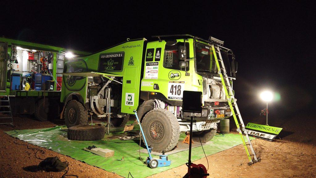 Rally Team Dust Warriors zonder kleurscheuren door eerste etappe Africa Eco Race