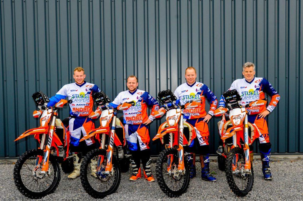 Peter Stijkel samen met drie zonen aan start Hispania rally.