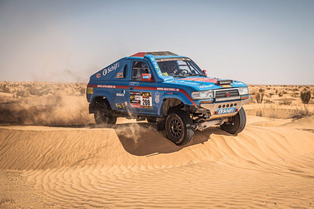 Stam schuift top-vijf binnen op tweede dag van Fenix Rally