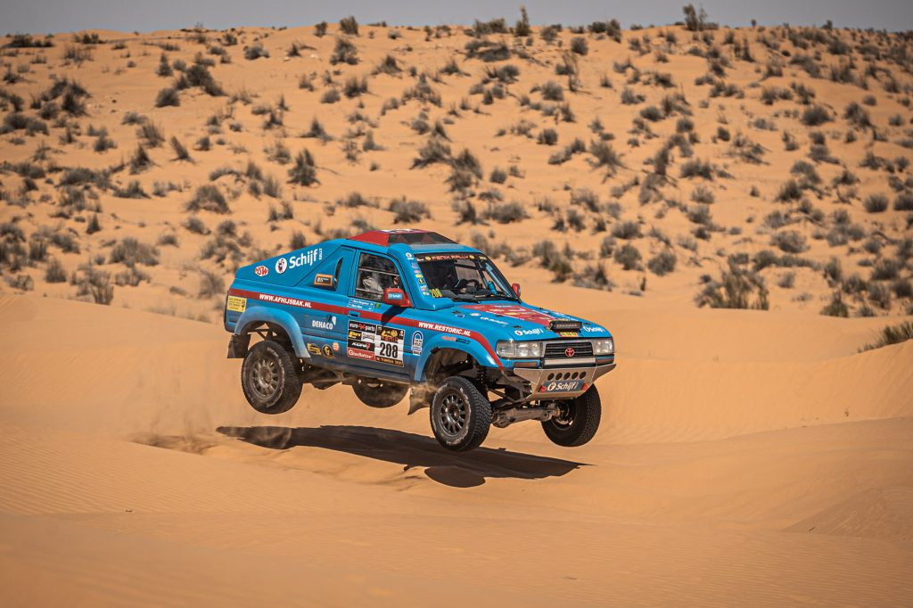 Stam verspeelt kostbare tijd, maar houdt zicht op podium in Fenix Rally