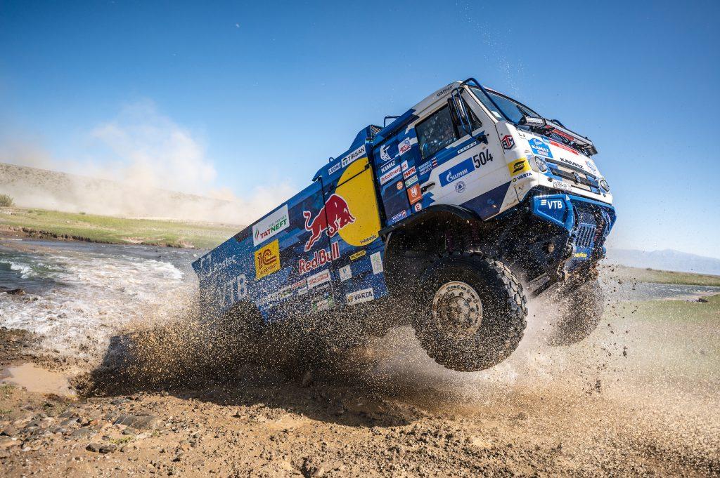 Silk Way Rally Stage 4:  winst voor Sanders, Chicherit en Sotnikov