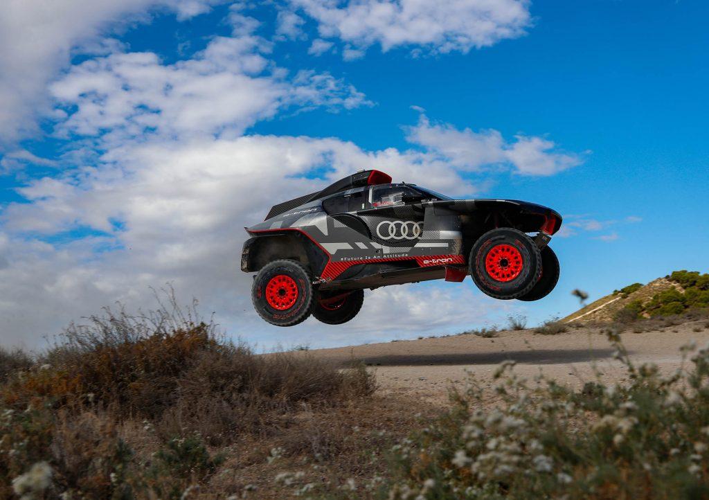 Audi RS Q e-tron aan de tand gevoeld onder de Spaanse zon